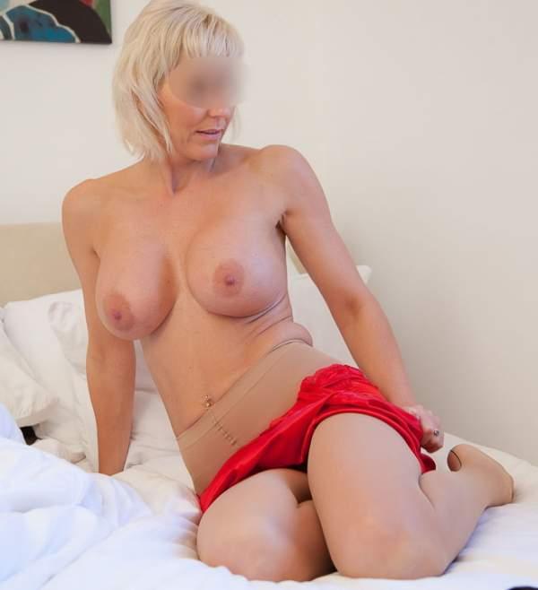 Donna cinquantenne per incontri di sesso a Palermo foto due