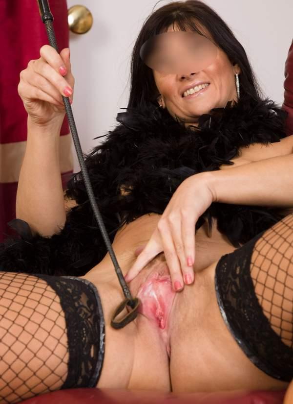 Annunci mistress Milano, padrona cerca slave foto uno